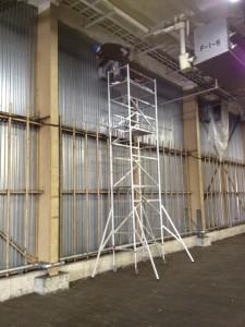 防水の養生 ローリングタワー